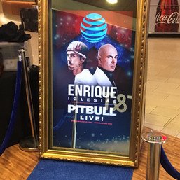 enrique pitbull mirror screen bts.jpg
