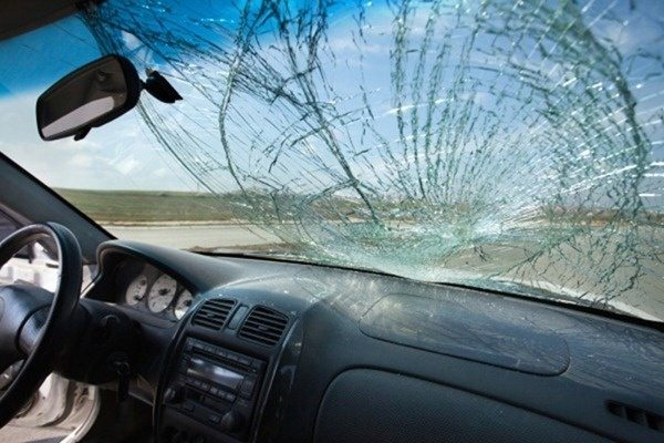 broken windshield prescott, windshield replacement prescott, rock chip repair prescott az, magic glass prescott
