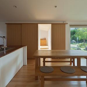 庭と暮らす平屋の家