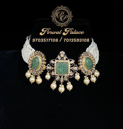 22ct 916 Gold Grand Emeralds Choker .Wt-22gms