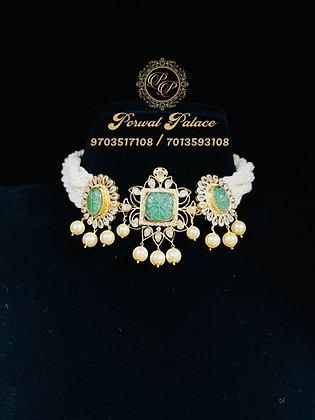 Grand Emeralds Choker . Wt-17.500 gms