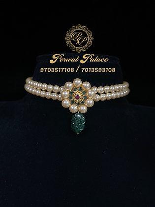 Pearls Emeralds Choker Wt- 2.500 gms