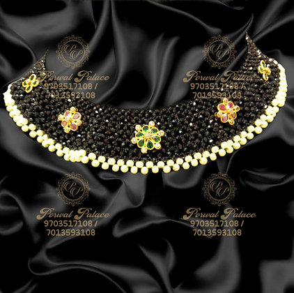 Beautiful Light Weight Black Diamond Crystals Necklace-4.000g