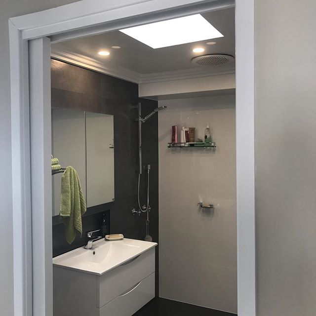 Small bathroom renovation we recently completed with #burgosplumbingservice #belcomservices #belcom