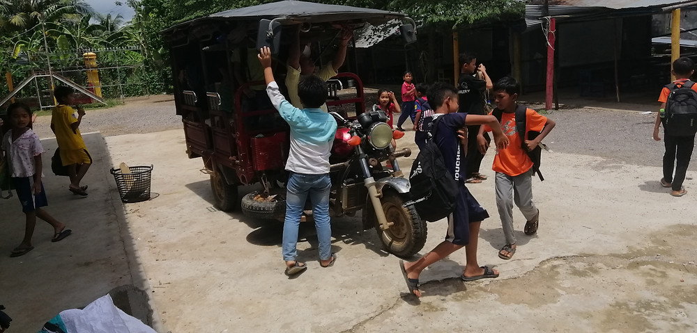 AKD's tuktuk 'school bus'