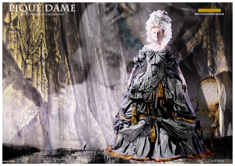 PIQUE DAME_Costume_THE COUNTESS.jpg