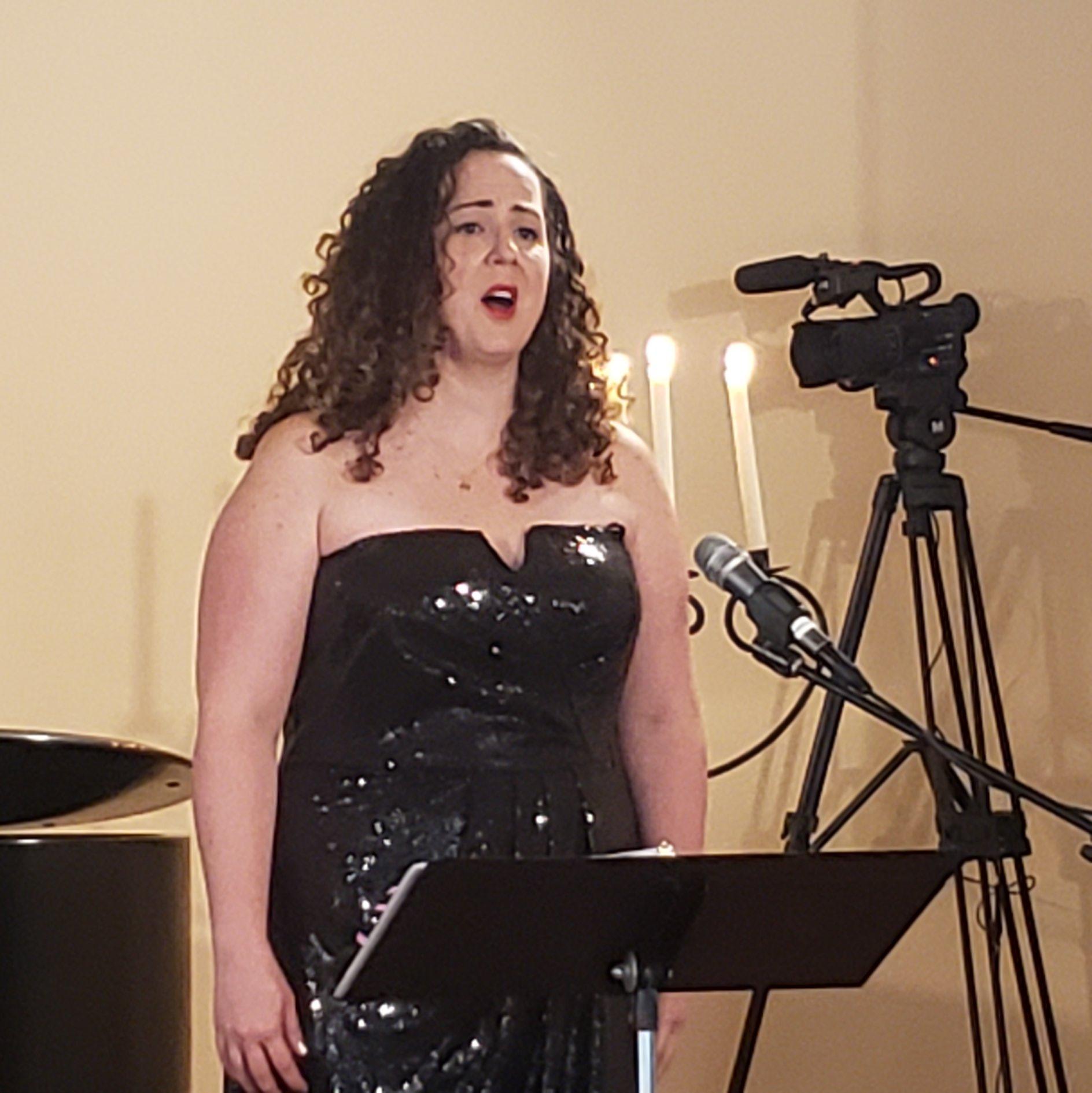 Leslie Leytham, Soprano