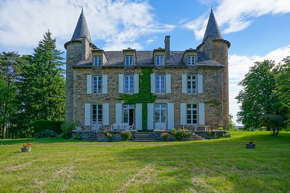castle_rodez_£515_seperate_houses_13_bed
