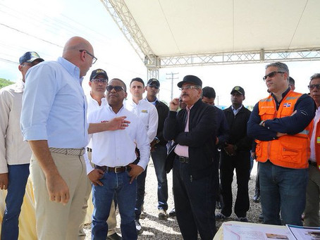 Medina supervisa trabajos de la carretera turística en Puerto Plata