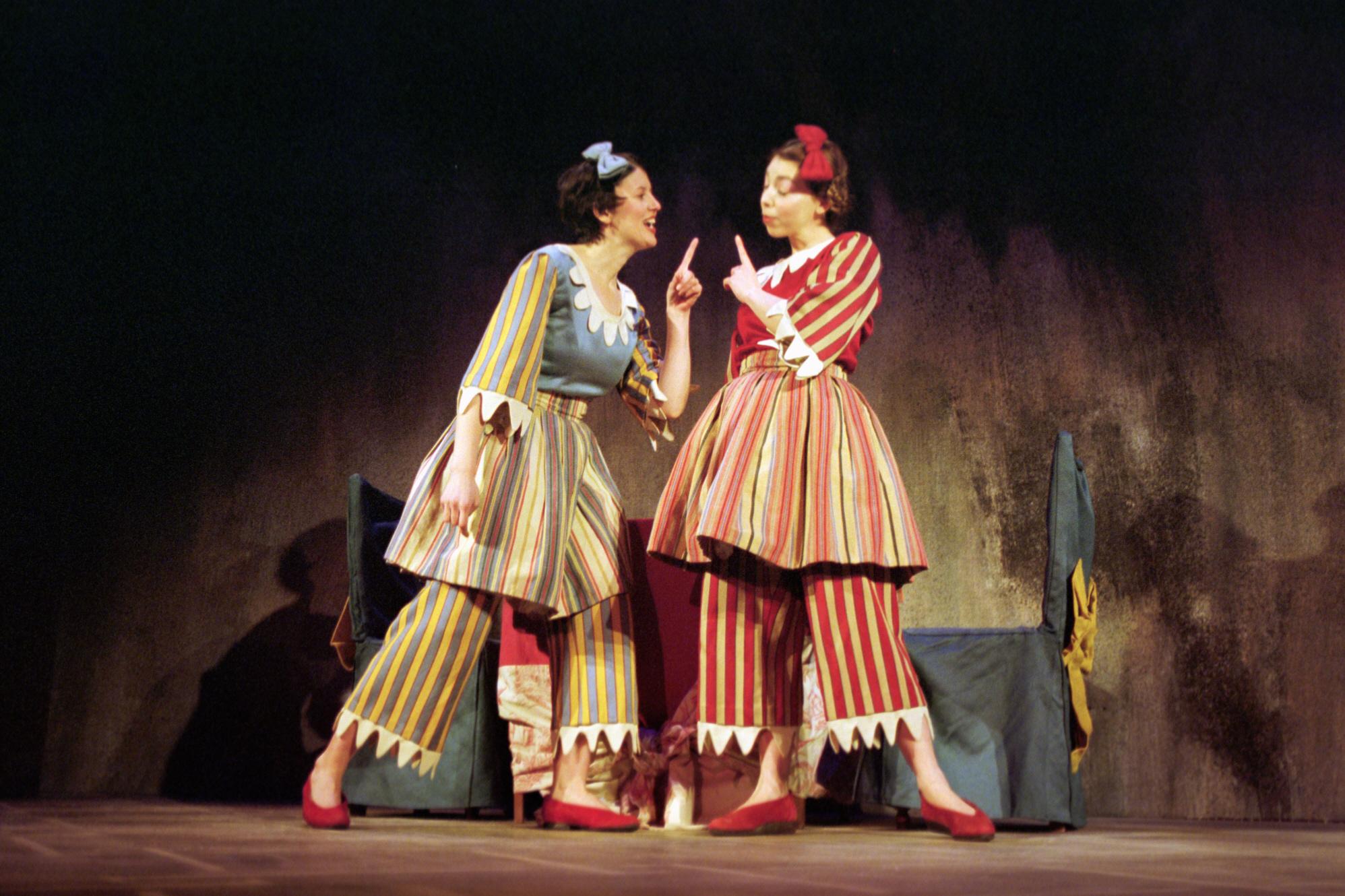 Les deux soeurs de Cendrillon (12)