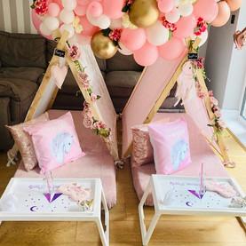 Pinkunicornsballoons.jpg