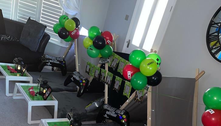 Minecraft Teepee Party