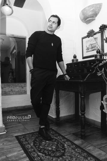 Modelo  Alex Lugar Hotel Boutique Antinea @hotelantineaquito  Fotógrafo SRB Studio @srbstudio