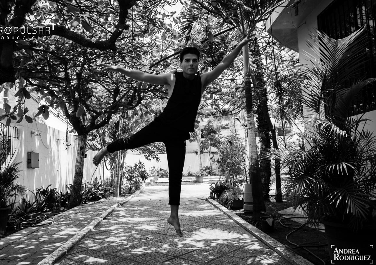 Modelo _ Jonathan Lugar _ Hotel Golden Mar  Manta Fotógrafa _ Andrea Rodríguez @ocu.ishta