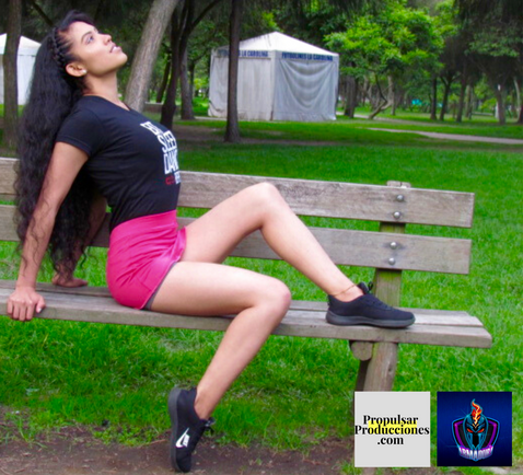 Modelo Sharon Lugar La Carolina Diseñador La Armadura @larmadura Fotógrafo Alexis Salazar @alexissalazar0030