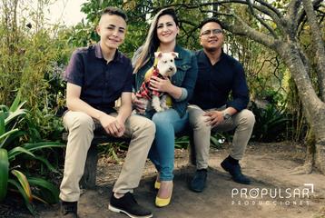 Modelo Familia Ortega  Lugar Hosteria La Ponderosa @hosterialaponderosa Fotógrafo Edison