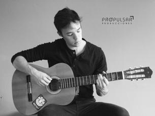 Modelo Emilio  Lugar  Studio Propulsar Producciones @propulsarproducciones  Fotógrafo Jorge Salazar @jorgesalazar