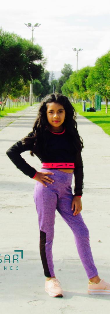 Modelo Flor Lugar La Carolina Diseñador La Armadura @larmadura Fotógrafo Alexis Salazar @alexissalazar0030