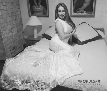 Modelo Mayra Diseñador @fidelbladimir   Lugar @hotelantineaquito Fotógrafo  @srbstudio