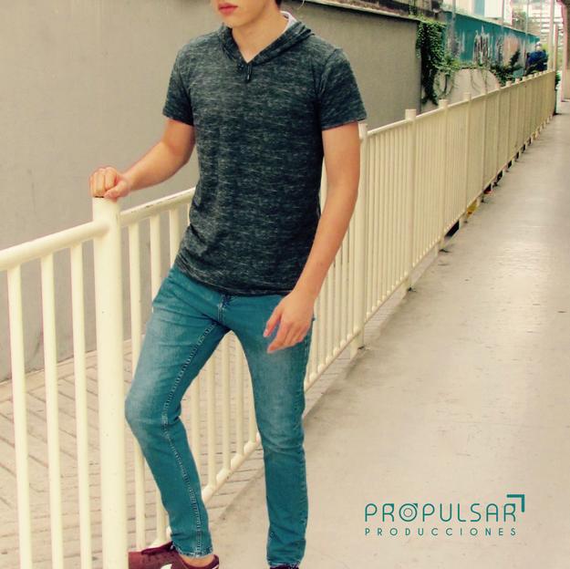 Modelo_Andrew_Diseñador_@marcelosfactor