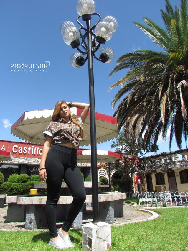 Modelo__Bridgitte_Lugar_Hosteria_Castill