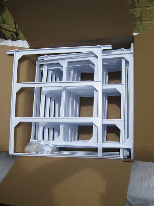 12 ZEST plastic bee hive frames. - P+P excluded