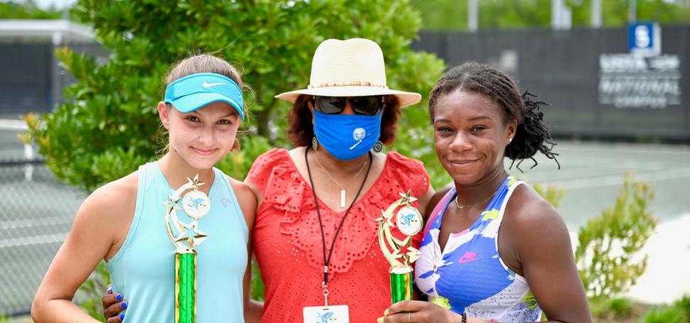 Girls 18U Singles: Aleksandriya Dzheneva, Champion & Abigail Turner, Finalist