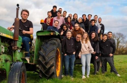 germinal tracteur equipe identite de marque gouriadec editorial