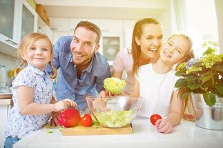 Ernährungsberatung Hamburg abnehmen, gesunde Familienrezepte, Familienessen, gesunde Kinderernährung, gesund essen im Büro