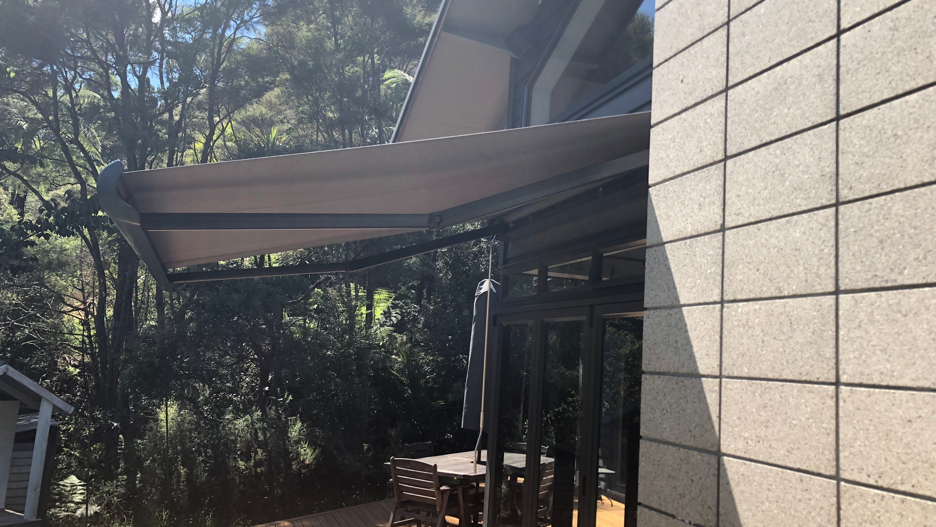 shademaster retractable awning.jpg
