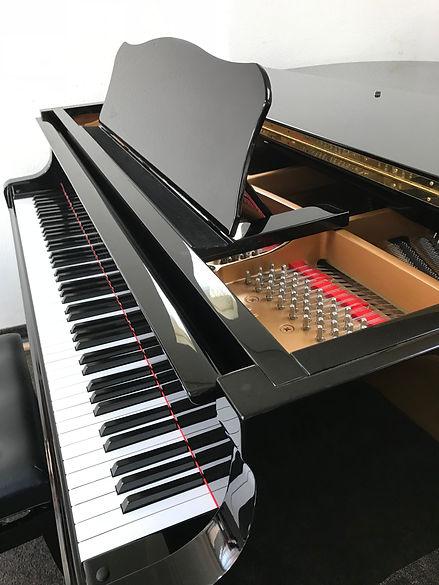 浦添教室グランドピアノ