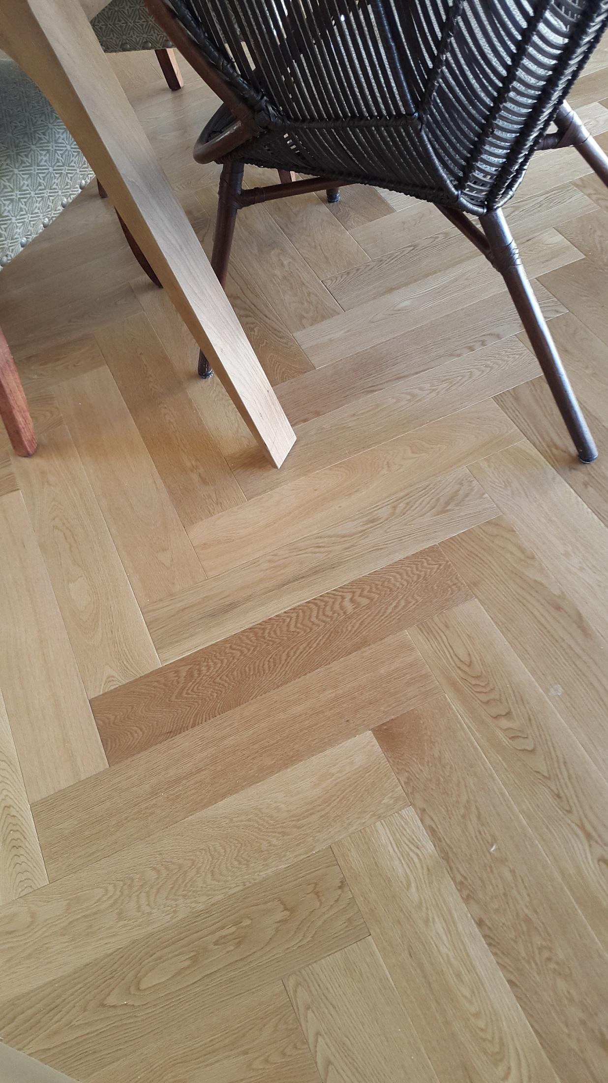 varnished oak Herringbone pre-finished.jpg