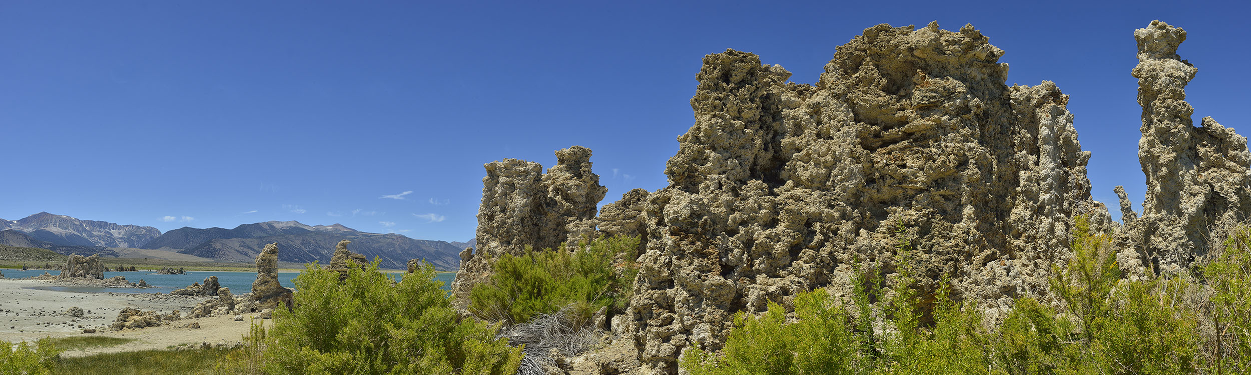 Tufas in Southern Mono Lake