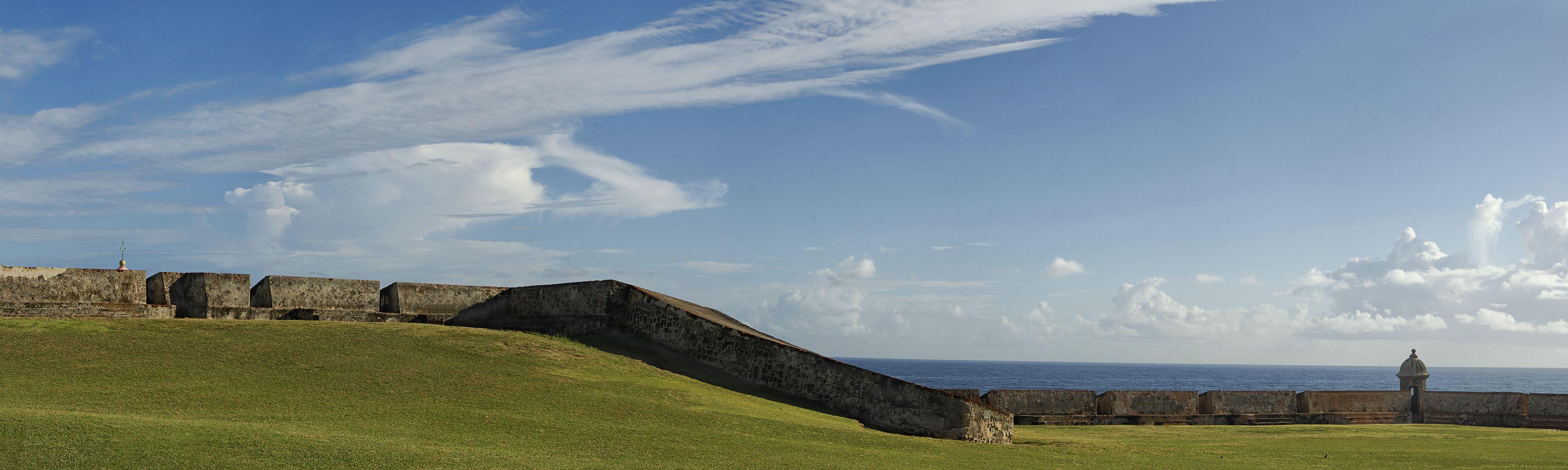 Castillo de San Cristobal Right