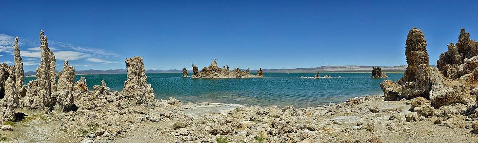 Tufas Island in Mono Lake
