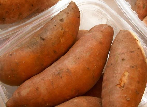 sweet-potatoes-996_960_720_edited.jpg