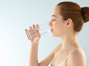 Drinking-Water-Can-Make-You-Beautiful-Kn