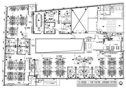 שיפוץ ושינוי קומה שלמה בבניין משרדים עבור בנק מזרחי-טפחות. הקומה כוללת מוקד טלפוני, חדרי עבודה וניהול, קפטריה, ועוד