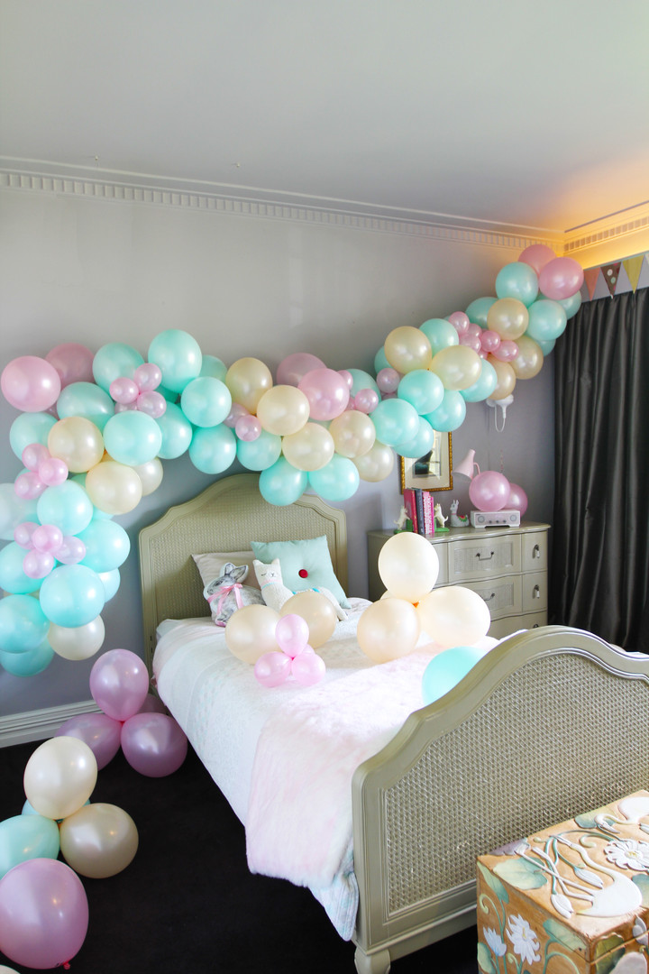 BalloonGarlandVertical1.jpg