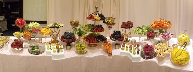 Complete Custom Fruit Table (Decor and Fruit) (6)