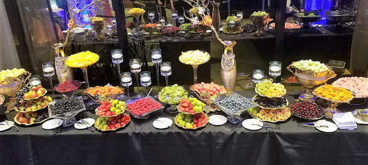 Complete Custom Fruit Table (Decor and Fruit) (7)