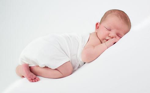 de mooiste tijd van jouw pasgeboren baby leggen wij van Jennifer Snippe Fotografie met liefde vast
