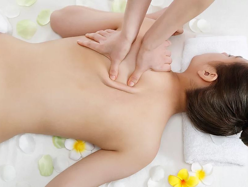 therapeutic-massage-2.JPG