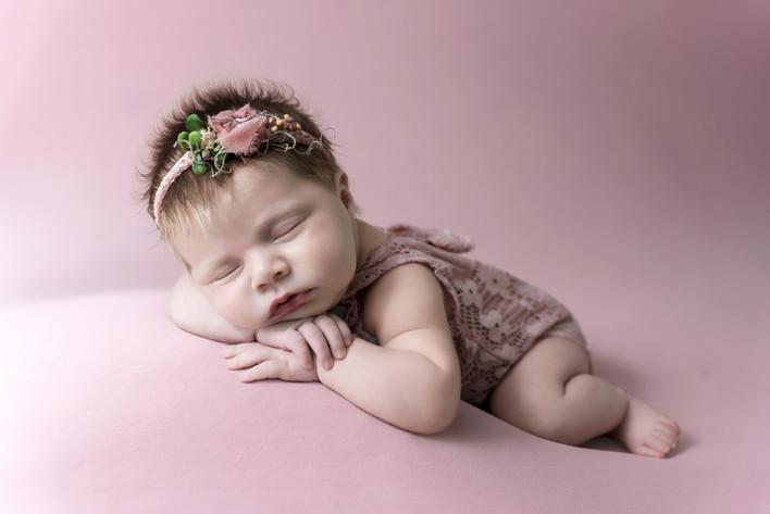 Newborn-Photographers-Near-Me.jpg