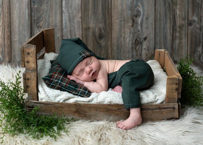 Newborn-Photographer_1.JPG