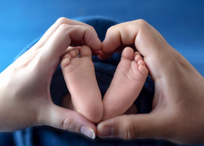 Newborn-Baby-Feet.JPG