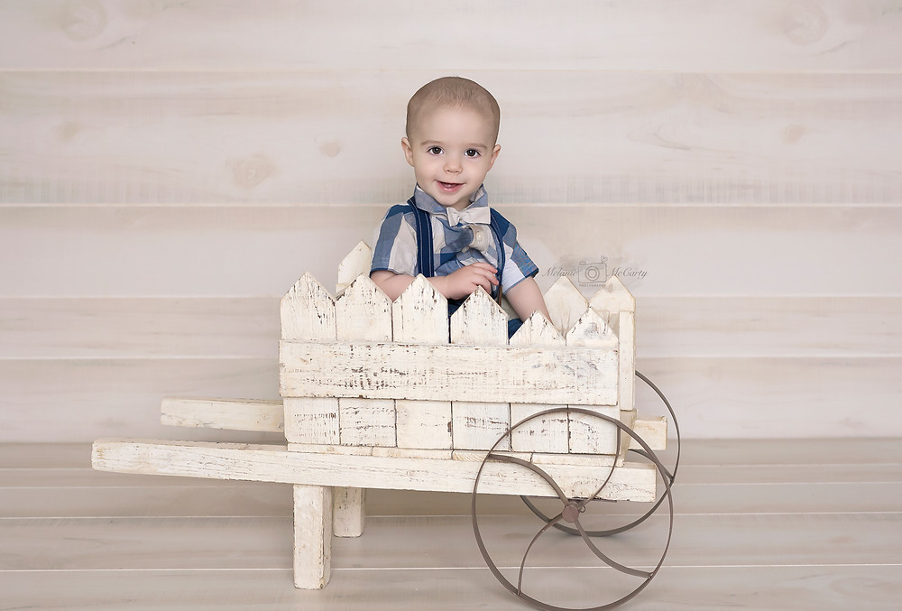 Wagon prop for professional children photoshoot