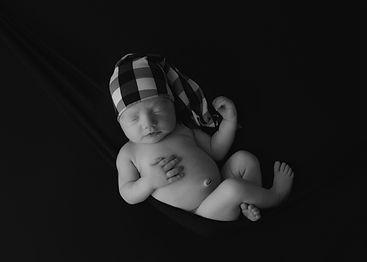 Newborn-Black-And-White.JPG