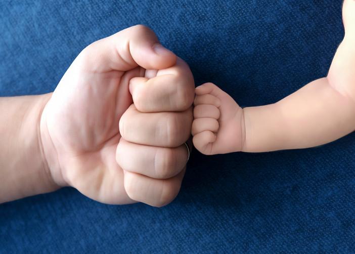Newborn-Dad-Fist-Bump.JPG