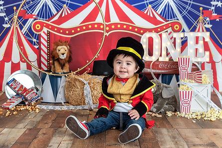Circus-First-Birthday-Photography.JPG